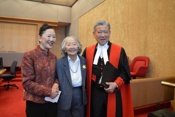 加国首位华裔大法官 黄星翘执法42年获美誉
