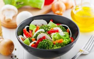 美國人在公共健康資訊建議下,開始轉向脂肪少、多蔬菜和瘦肉的飲食。(fotolia)