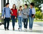 许多高中毕业生在进入美国大学的第一年跌跌撞撞,他们享有更多自由但也背负更多责任。(fotolia)