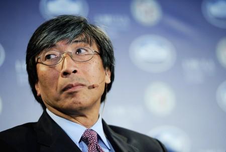 洛杉矶华裔亿万富翁黄馨祥医生(Dr. Patrick Soon-Shiong)将成为《洛杉矶时报》母公司的第二大股东。(Kevork Djansezian/Getty Images)
