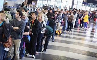 安检要等3小时 大量滞留客夜宿美国机场