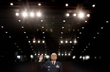 海登在2006年5月18日宣誓就職中情局局長。(Jim Watson/AFP/Getty Images)