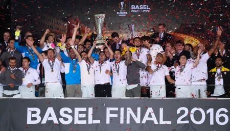 西甲勁旅塞維利亞3-1逆轉利物浦,連續三個賽季奪得歐聯盃冠軍。 (David Ramos/Getty Images)