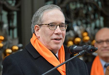 紐約市主計長斯靜格。