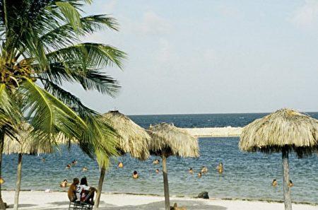 凯瓦连,沙滩
