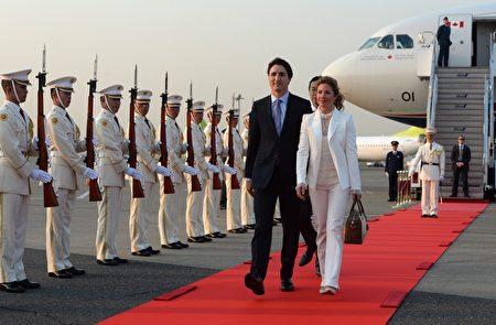 加拿大总理特鲁多与夫人5月23日正式访问日本。(加通社)