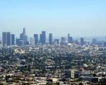 洛杉矶的交通堵塞是全美之冠,但是增加城市密集度来缓解交通并非易事。(刘菲/大纪元)