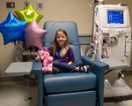 威斯康辛州一名8岁女童富勒手术后恢复良好。(CHILDREN'S HOSPITAL OF WISCONSIN/VIA FACEBOOK)