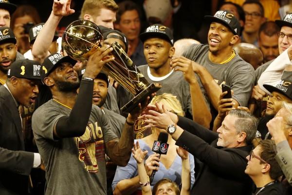 美媒評出NBA總冠軍賽最難超越的五大神蹟,詹姆斯1:3翻盤墊底,榜首開創歷史!-Haters-黑特籃球NBA新聞影音圖片分享社區