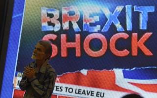 英國脫歐公投結果震撼全球,英鎊匯率及全球股市應聲急挫。(AFP/PUNIT PARANJPE)