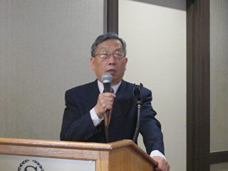 《北京之春》荣誉主编胡平在纽约纪念六四27周年大会上发言。(林丹/大纪元)