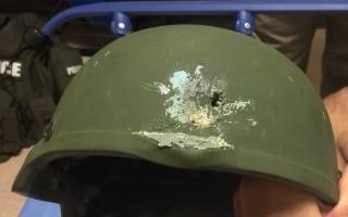 IS 聲明為佛州槍擊案負責。圖為一名警察的鋼盔在與該案嫌犯的槍戰中被打穿。(大紀元)