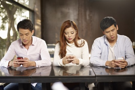 手机上瘾10征兆 有的话赶快戒掉