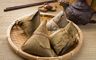 粽子和中國茶竹墊的地方(fotolia)