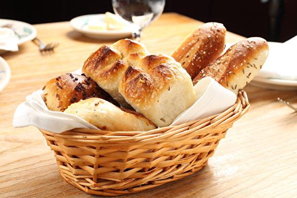西方美食烤面包。(张学慧/大纪元)