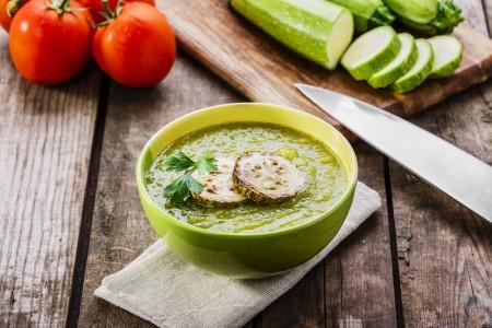 多吃蔬果,少红肉、加工食品可有效预防失智症。(Fotolia)