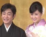 片冈爱之助与藤原纪香30日结婚,于31日举办记者会。(YouTube截图)