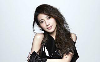 戴佩妮的两首新歌搭上韩剧《太阳的后裔》,将于16日在台湾随戏登场。(妮乐佛提供)