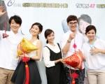 《遗憾拼图》剧中主演举办粉丝见面会,图为张怀秋(左起)、朱芷莹、黄姵嘉、谢佳见、杨贵媚。(联意提供)