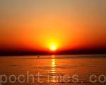 看日出的模样。(戴德蔓/大纪元)