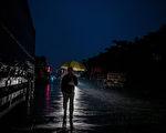 6月22日,李克強主持的國務院常務會議,就一個打破江澤民時代經濟政策的議題與各部門負責人足足商議了3個多小時。圖為,2016年1月26日,東莞市一個廢棄的工業園外景。(Lam Yik Fei/Getty Images)