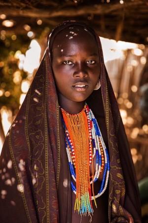 埃塞俄比亚奥莫河谷的佚名女子。(Photo courtesy of Mihaela Noroc)