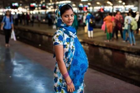 印度孟买的佚名女子。(Photo courtesy of Mihaela Noroc)
