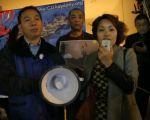 原湖北人民网媒体顾问吴君梅女士悉尼六四烛光集会上发言。(骆亚/大纪元)