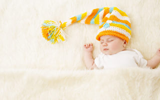 一名母亲告诫其他新手夫妇说,不要让任何人亲你的新生宝宝。图为婴儿示意图。(Fotolia)