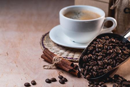 世界卫生组织周三发布研究报告表示,热腾腾的饮料有可能导致食道癌。(Fotolia)