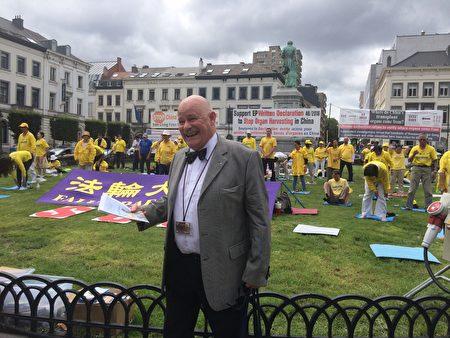 來自瑞士的議會遊說者Robert P.Hilty先生很了解法輪功在中國被迫害的真相,他斥責中共的行徑是赤裸裸的犯罪。(啟心/大紀元)