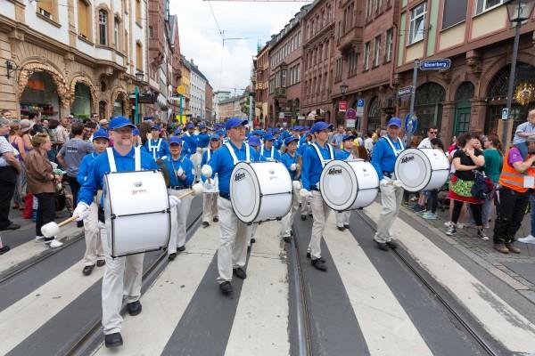 2016德国法兰克福多元文化节 法轮功展风采