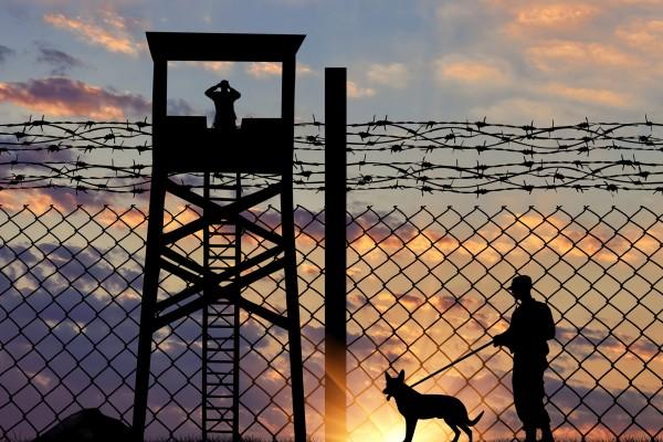 圣地牙哥媒体报导从美墨边界非法入境到美国的中国公民人数大幅增加,引起美国媒体的关注及转载。(Fotolia)