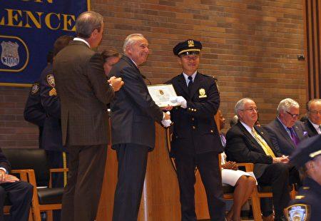 71分局的李立強被提拔為警監。