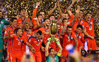 智利再次点球击败阿根廷,连续第二年夺得美洲杯冠军。(Mike Stobe/Getty Images)