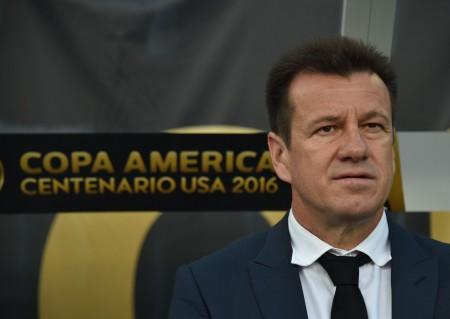 巴西国家队主帅邓加再次被巴西足协解雇。 (HECTOR RETAMAL/AFP/Getty Images)