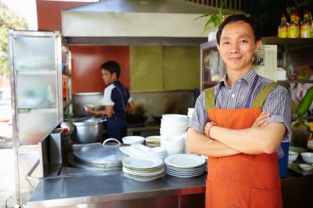 华盛顿和加州的一些餐馆正推出服务员和厨师两种小费的策略。(Fotolia)