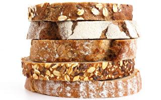 哈佛研究:每天3片全谷面包 早逝风险降20%