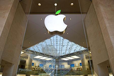 英国脱欧后英镑贬值,美元更强劲,受汇率影响较深的美国大型科技公司的业绩首当其冲。(Kristy Sparow/Getty Images for Apple)