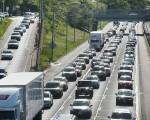 美國芝加哥一處公路上的行駛車輛 ( Scott Olson/Getty Images)