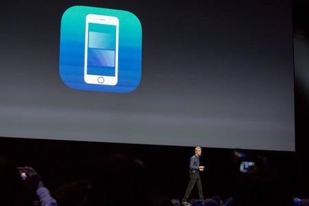苹果iOS 10有十大功能得到更新。( Andrew Burton/Getty Images)