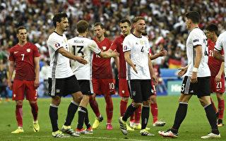 2016年6月16日,歐洲盃C組第二輪比賽德國與波蘭對陣,苦戰90分鐘後雙方都未能攻破對方龍門。  (MIGUEL MEDINA/AFP/Getty Images)