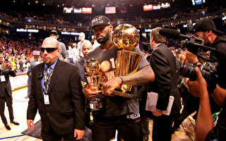 NBA骑士击败勇士 克里夫兰52年首夺总冠军