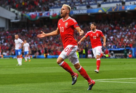TOULOUSE, FRANCE - JUNE 20: Aaron Ramsey of Wales celebrates scoring his team's first goal during the UEFA EURO 2016 Group B match between Russia and Wales at Stadium Municipal on June 20, 2016 in Toulouse, France. (Photo by Stu Forster/Getty Images)