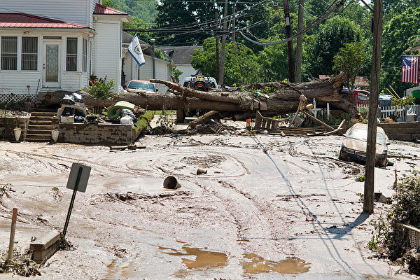 美国西维吉尼亚洪灾 百年来最严重已24死