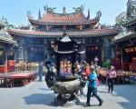 鹿港天后宫历史悠久,建筑精美,不仅香火鼎盛,也是热门的观光景点。(摄影:苏玉芬 / 大纪元)