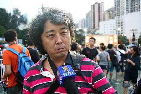 王懋伟当年是中央戏剧学院学生,参与了绝食、绝水及游行。更睹中共对学生开枪。(李逸/大纪元)