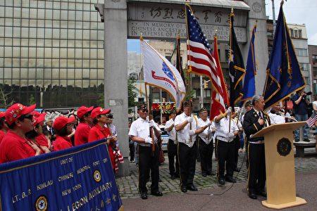 华裔美国退伍军人会30日在国殇日,举行纪念仪式。