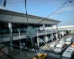 伊斯坦布爾機場重新開放,但恐襲留下的痕跡仍怵目驚心。(AFP)