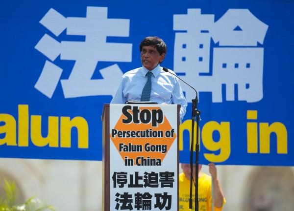 「國際大赦」(Amnesty International USA)美國分部國際宣導主任提·庫瑪博士(T. Kumar)(Mark Zou/大紀元)